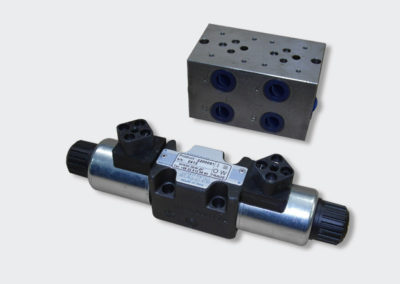 Modular hydraulic valve